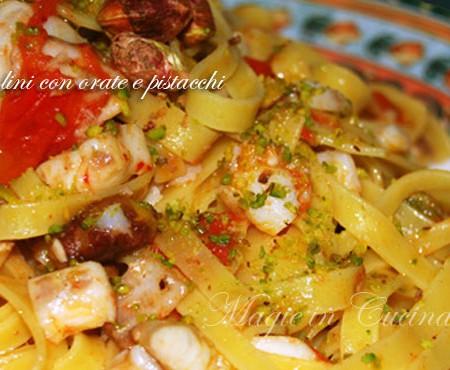 Ricetta pasta con orata e pistacchi