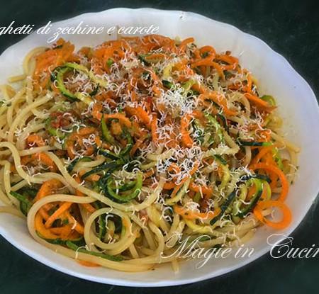 Spaghetti di zucchine e carote