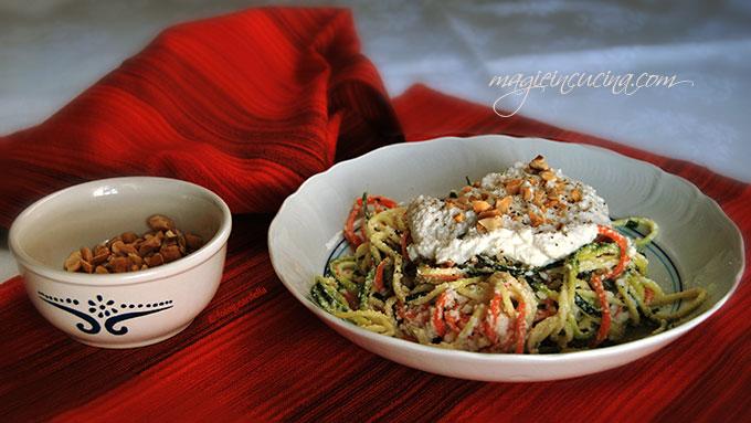 spaghetti-vegetali-con-ricotta-di-noci-di-macadamia