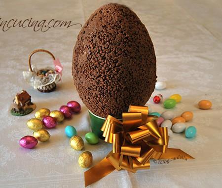 Uovo di Pasqua con riso soffiato