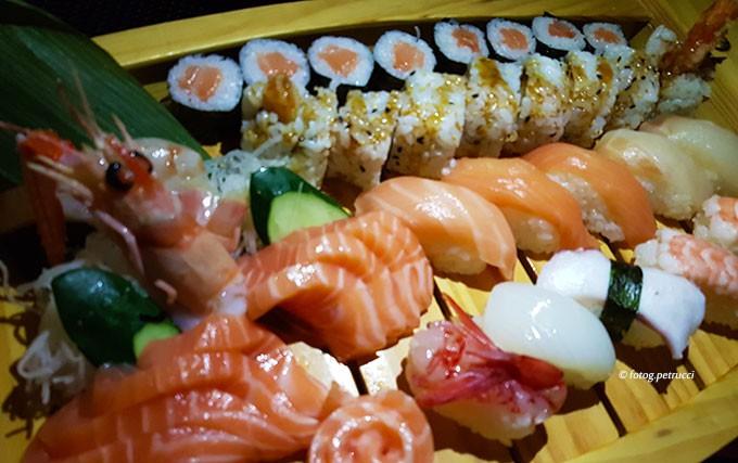 Sushi sashimi e dintorniNotizie su sushi ashimi e dintorni