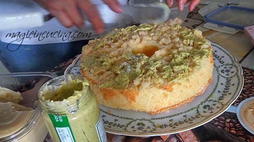 Chiffon-cake-o-fluffosa-alle-mandorle-e-pistacchi [2]