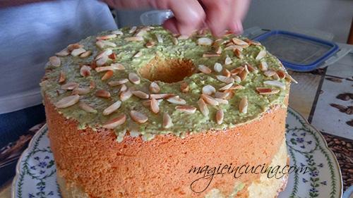 Chiffon-cake-o-fluffosa-alle-mandorle-e-pistacchi [4]