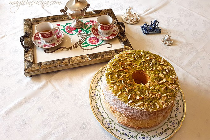 Chiffon-cake-o-fluffosa-alle-mandorle-e-pistacchi